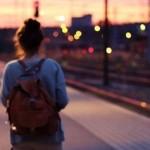 Vai viajar sozinho? Veja as vantagens e desvantagens de colocar o pé na estrada desacompanhado