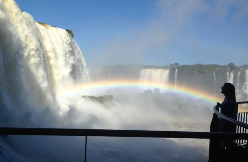 Queda d'água das cataratas do iguaçu no lado brasileiro