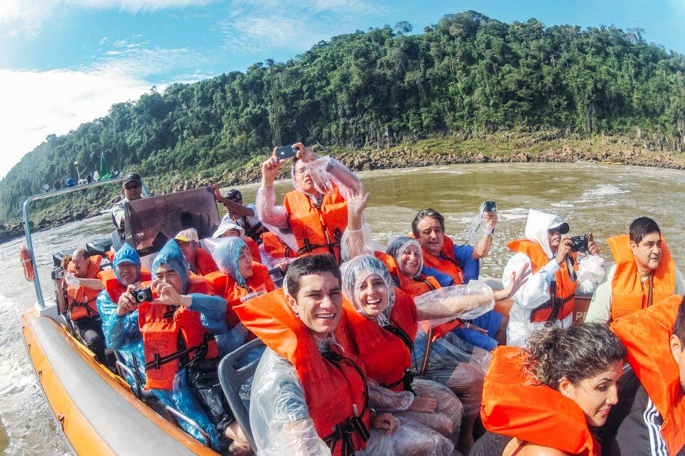 Barco do macuco safari no Parque Nacional do Iguaçú
