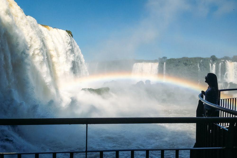 Vista do mirante da garganta do diabo no no Parque Nacional Iguazú