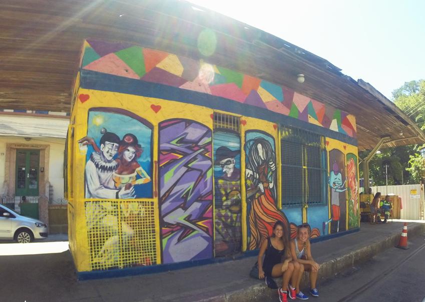 Arte de rua do Largo do Curvelo em Santa teresa