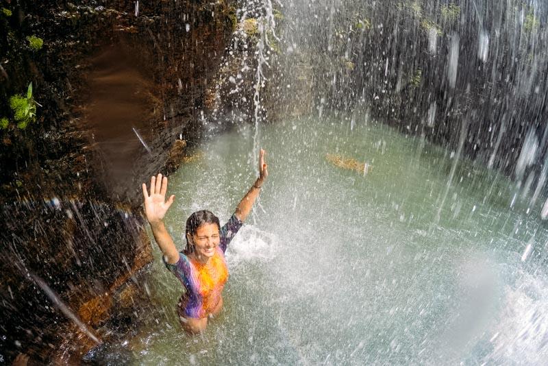 Queda d'água da cachoeira Santa Bárbara na Chapada dos Veadeiros