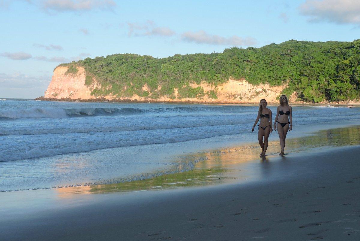 Por do sol na Praia do Madeiro Pipa RN