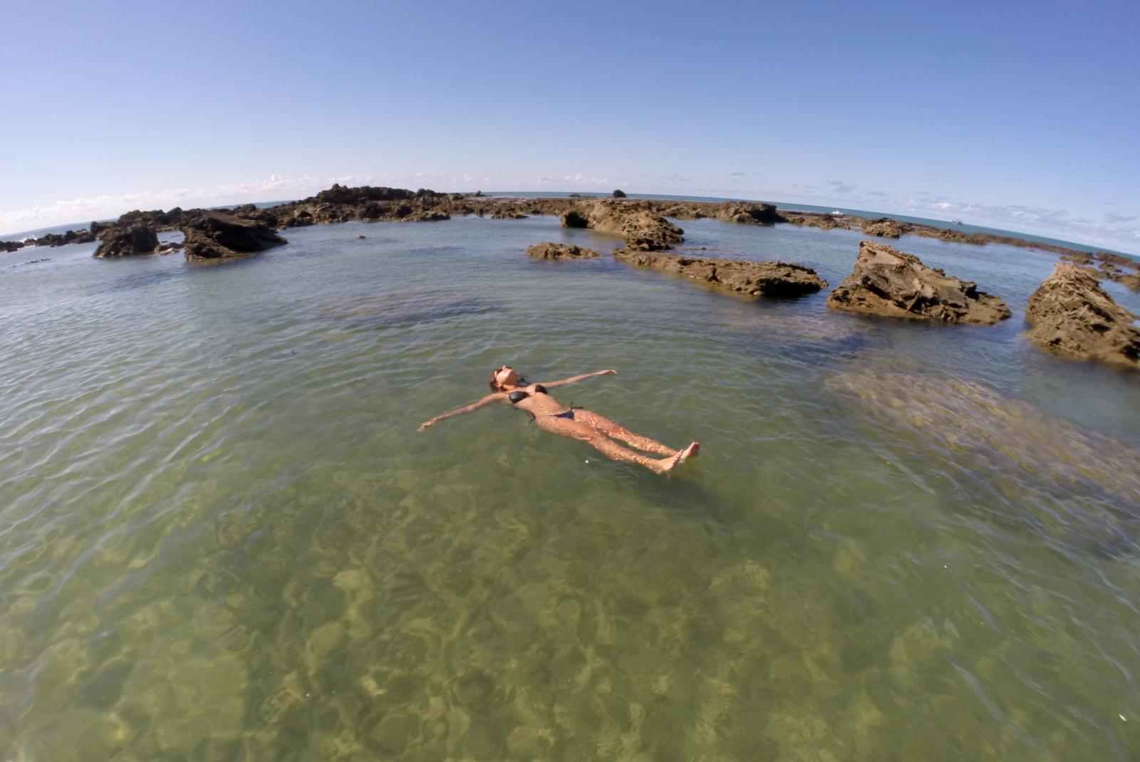 A maravilhosa piscina natural da Praia do Forte em Morro ...