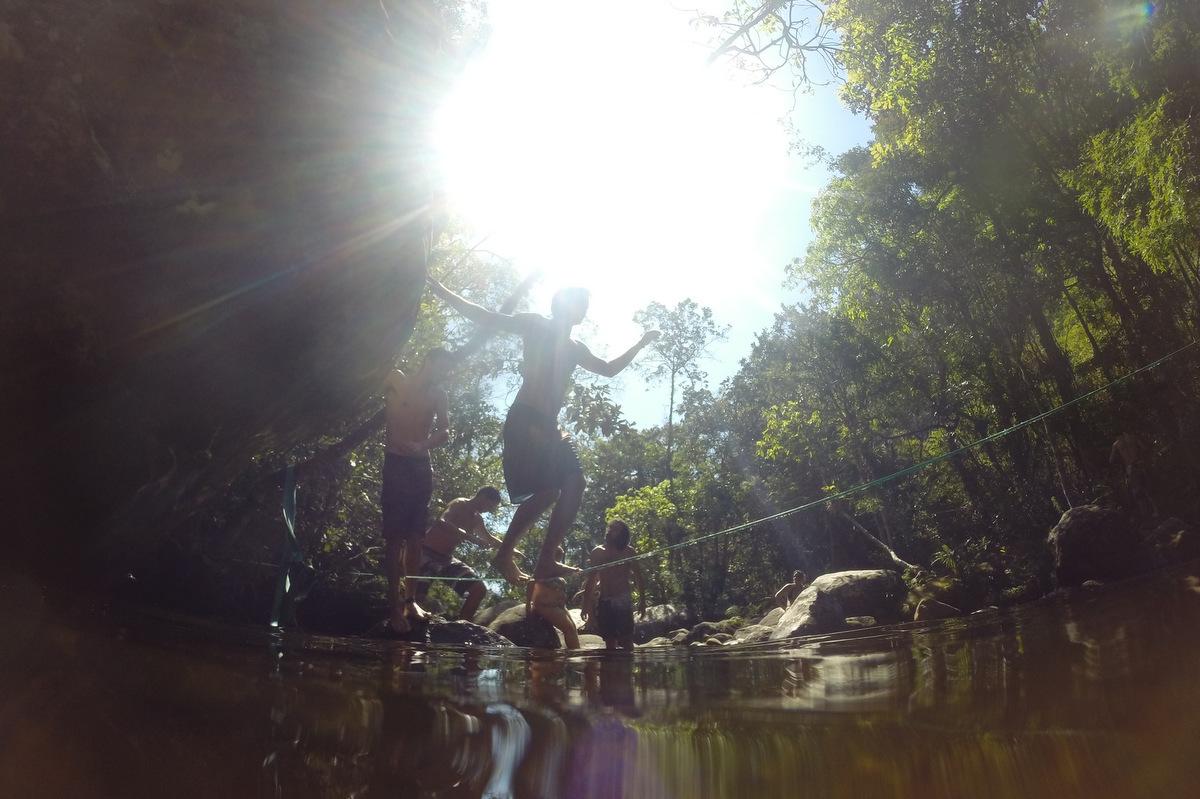 Slackline cachoeira