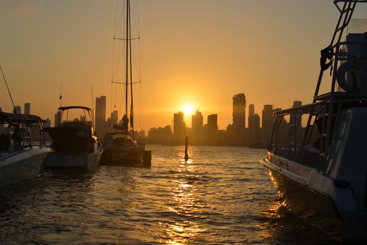 Pôr do sol no píer de Cartagena