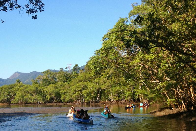 Passeios de canoa Saco do Mamanguá