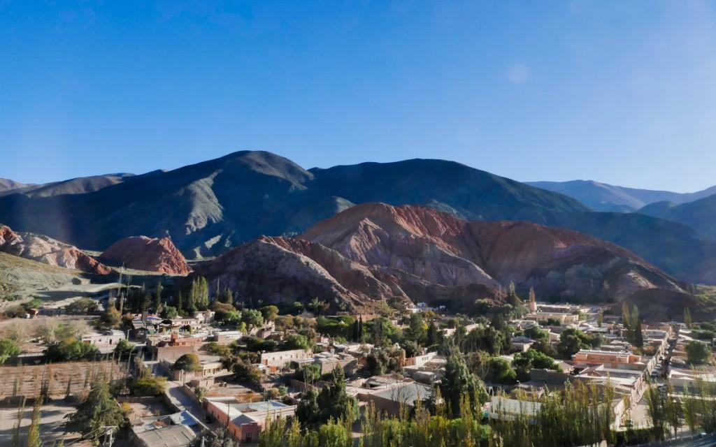 Vista do Mirante Cerro Siete Colores na argentina