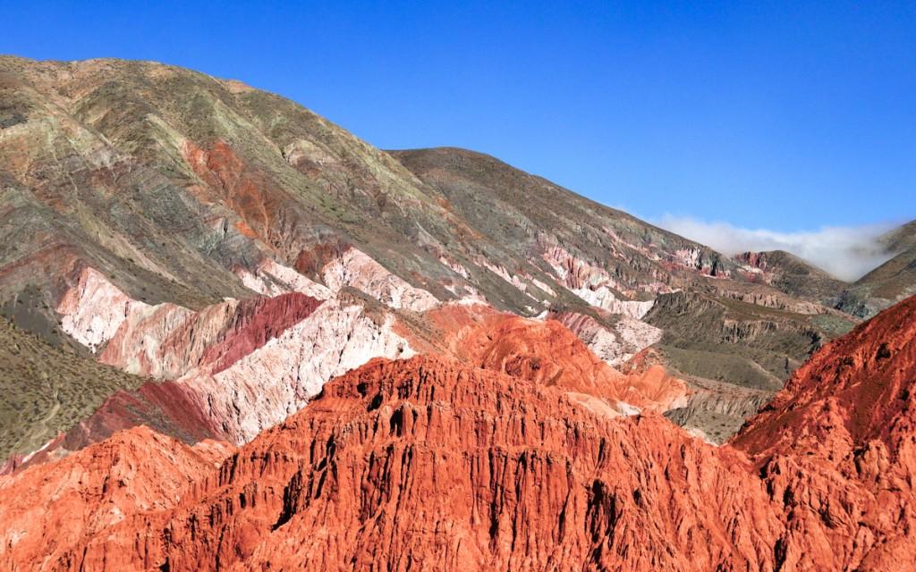 Montanhas no Paseo Los Colorados em Purmamarca