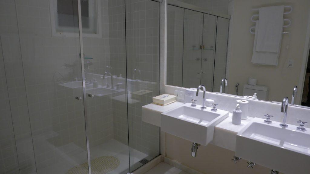 Banheiro amplo e confortável da Locanda