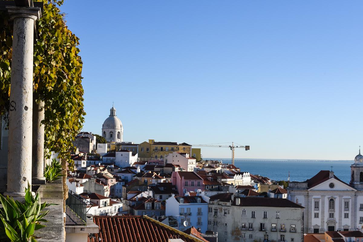 Vista Miradouro Santa Luzia Lisboa