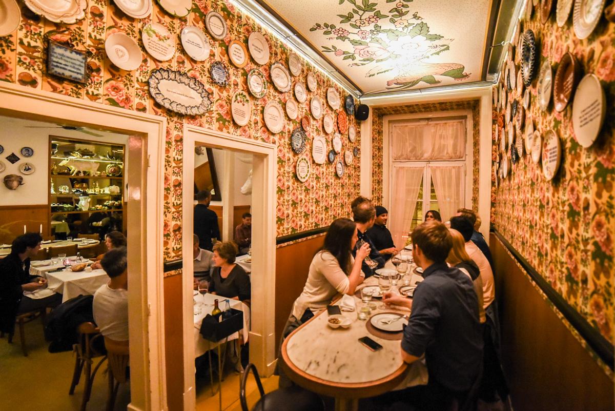 amigos na Casa de Pasto Lisboa