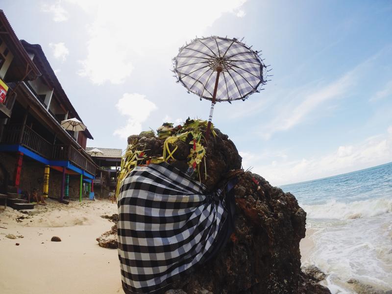 Oferendas nas praias de Bali