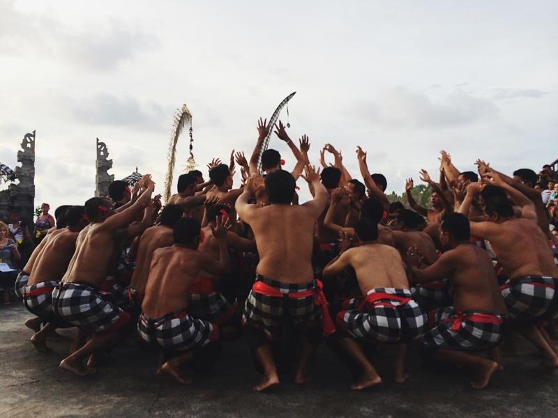 Dança Balinesa Uluwatu Temple