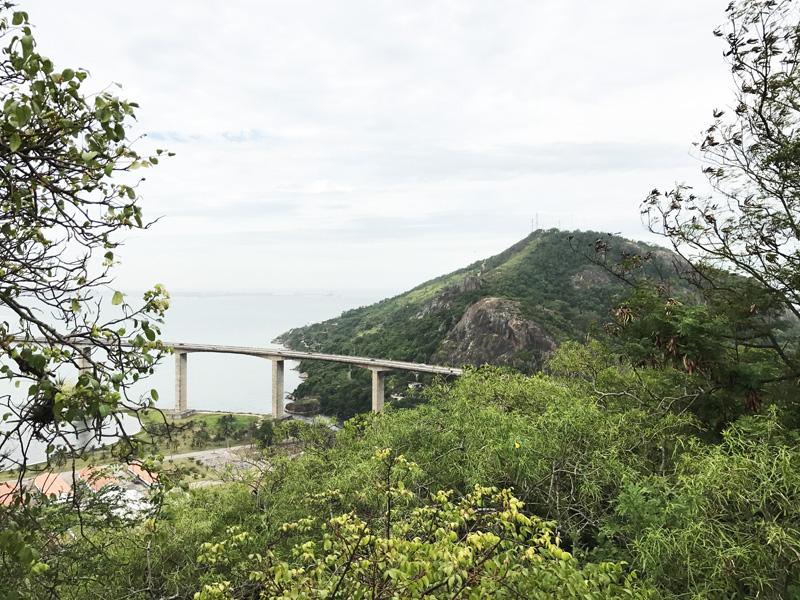 Trilha Morro do Moreno em Vila Velha