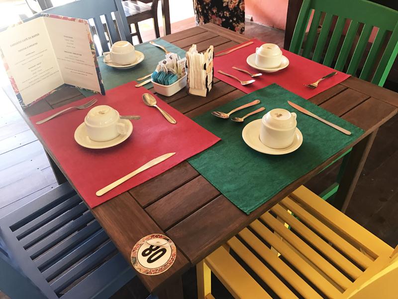 café da manhã na pousada vila do dengo itacaré