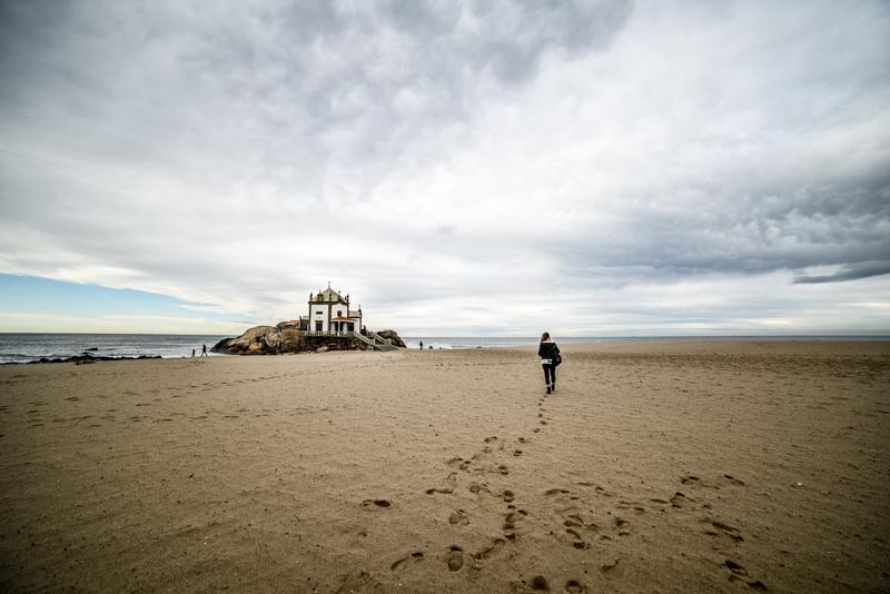 Praia do Senhor da Pedra, Porto, Portugal
