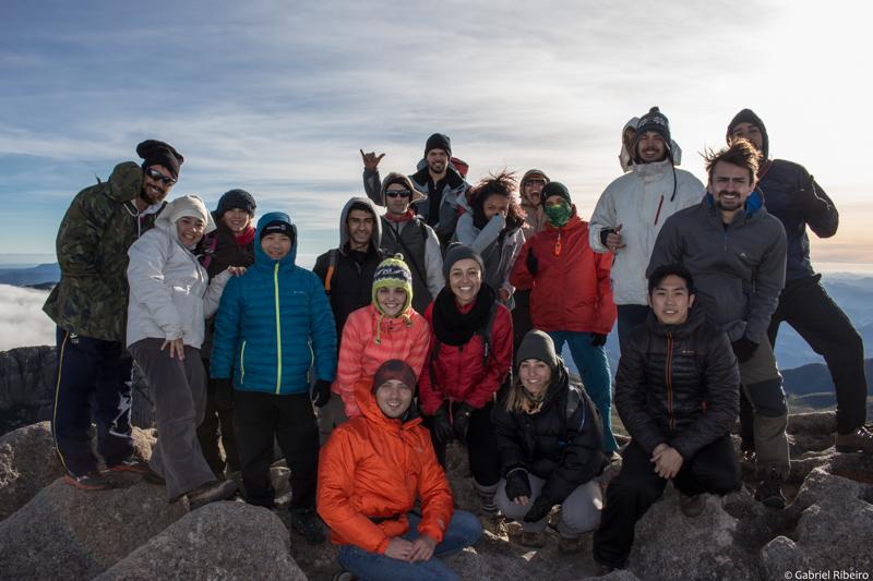 Amigos da Montanha no Pico das Agulhas Negras