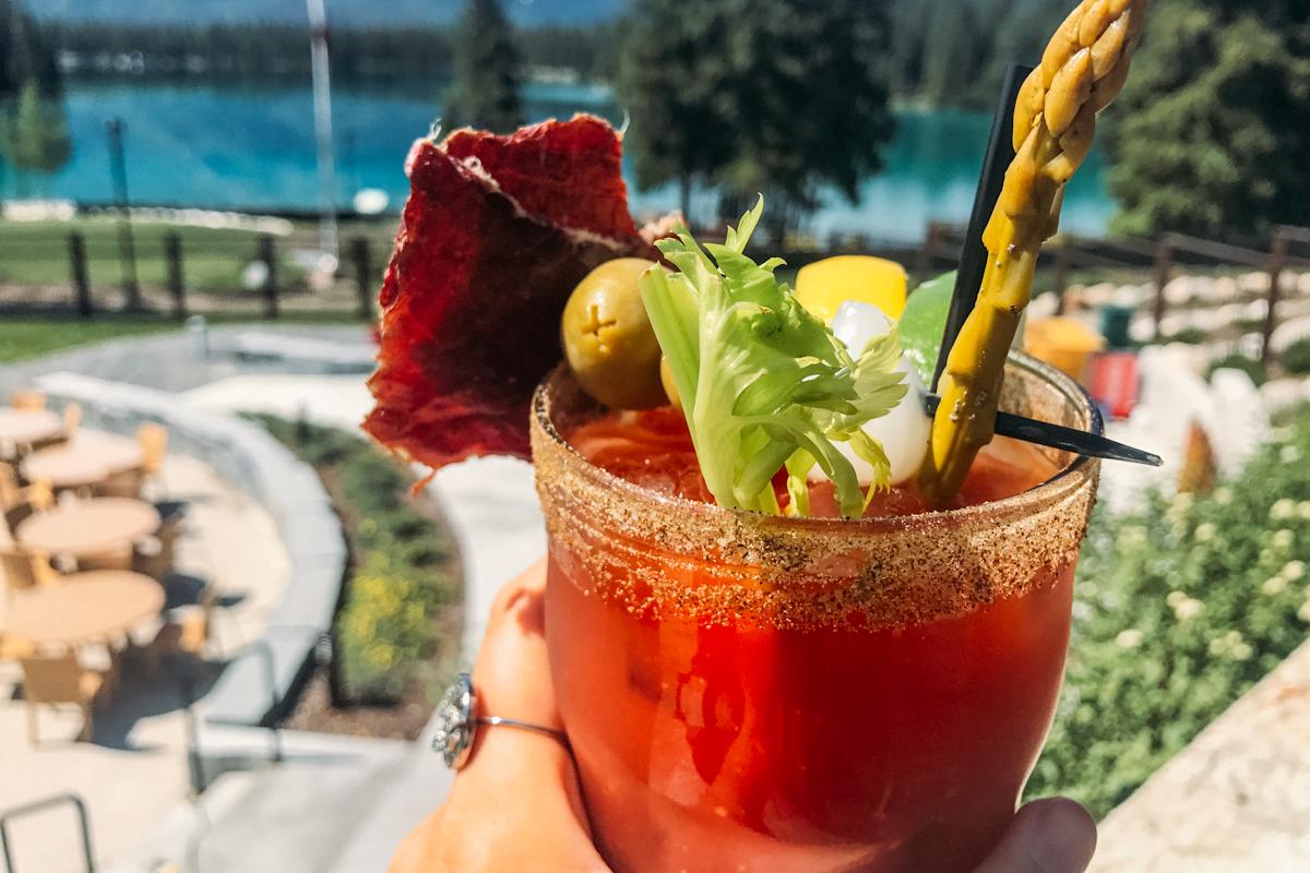 Drink típico canadense: Caesar