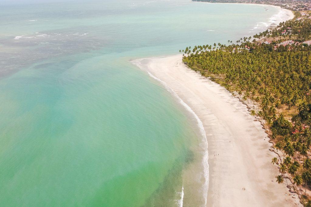 praia-dos-carneiros-drone