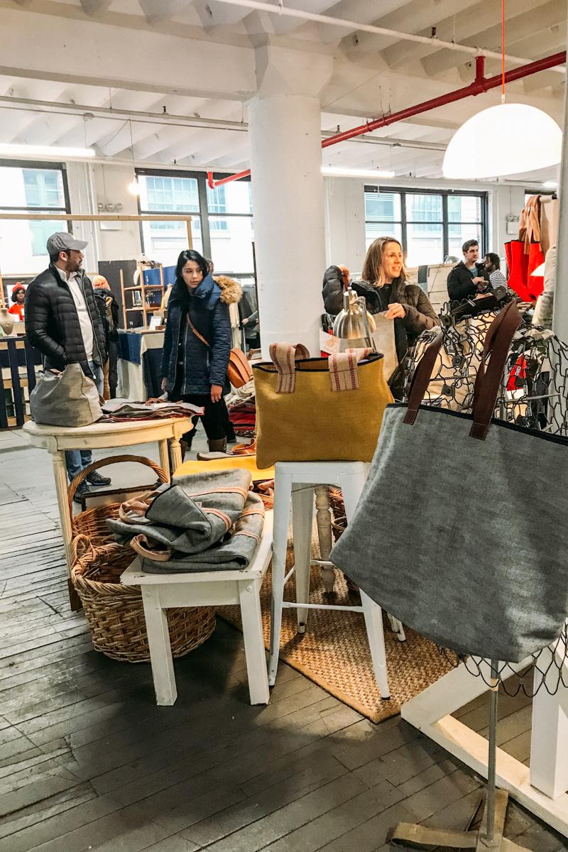 BrooklynFlea, que rola aos sábados no Industry City
