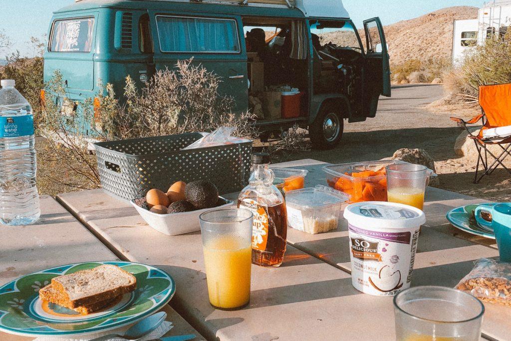 Café da manhã em camping nos EUA