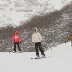 Descubra o seguro viagem ideal para praticar esportes na neve