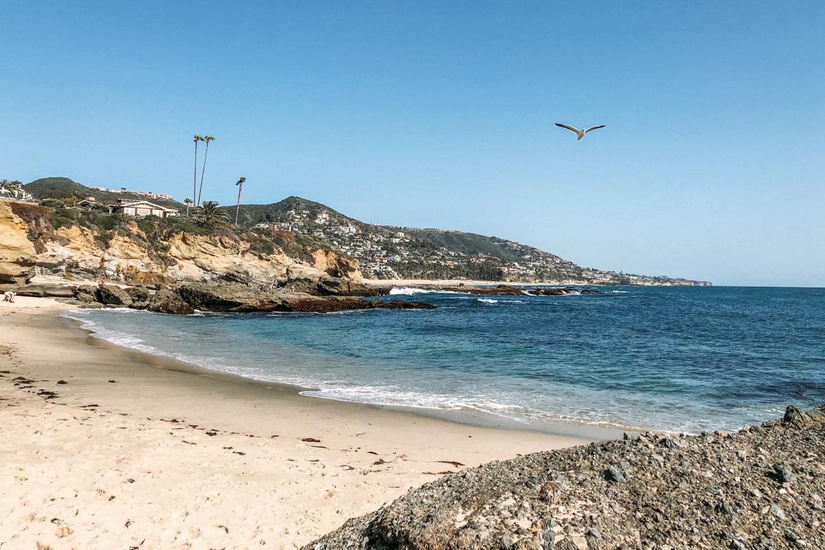 Vista de Treasure Island, no balneário de Laguna Beach na California