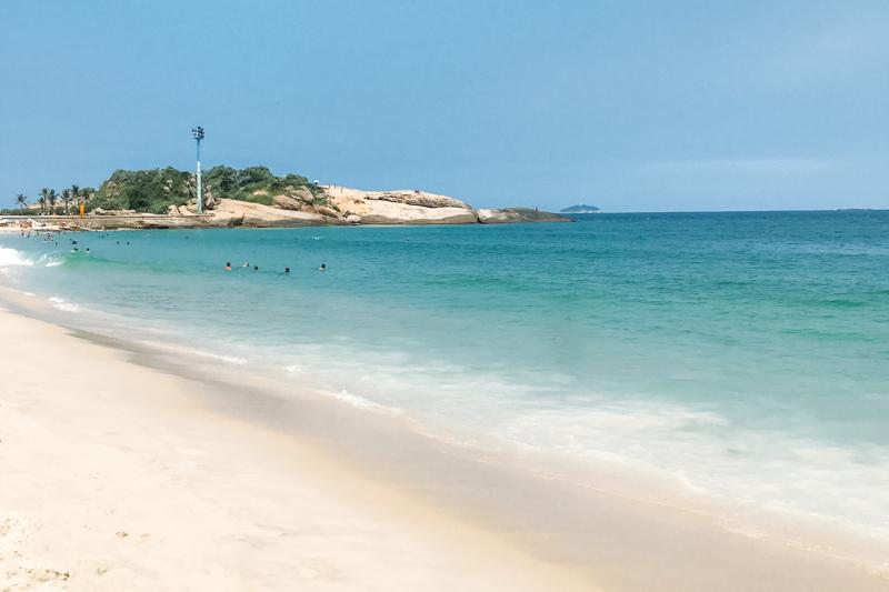 Vista da Praia do Arpoador uma das melhores praias do Rio de Janeiro