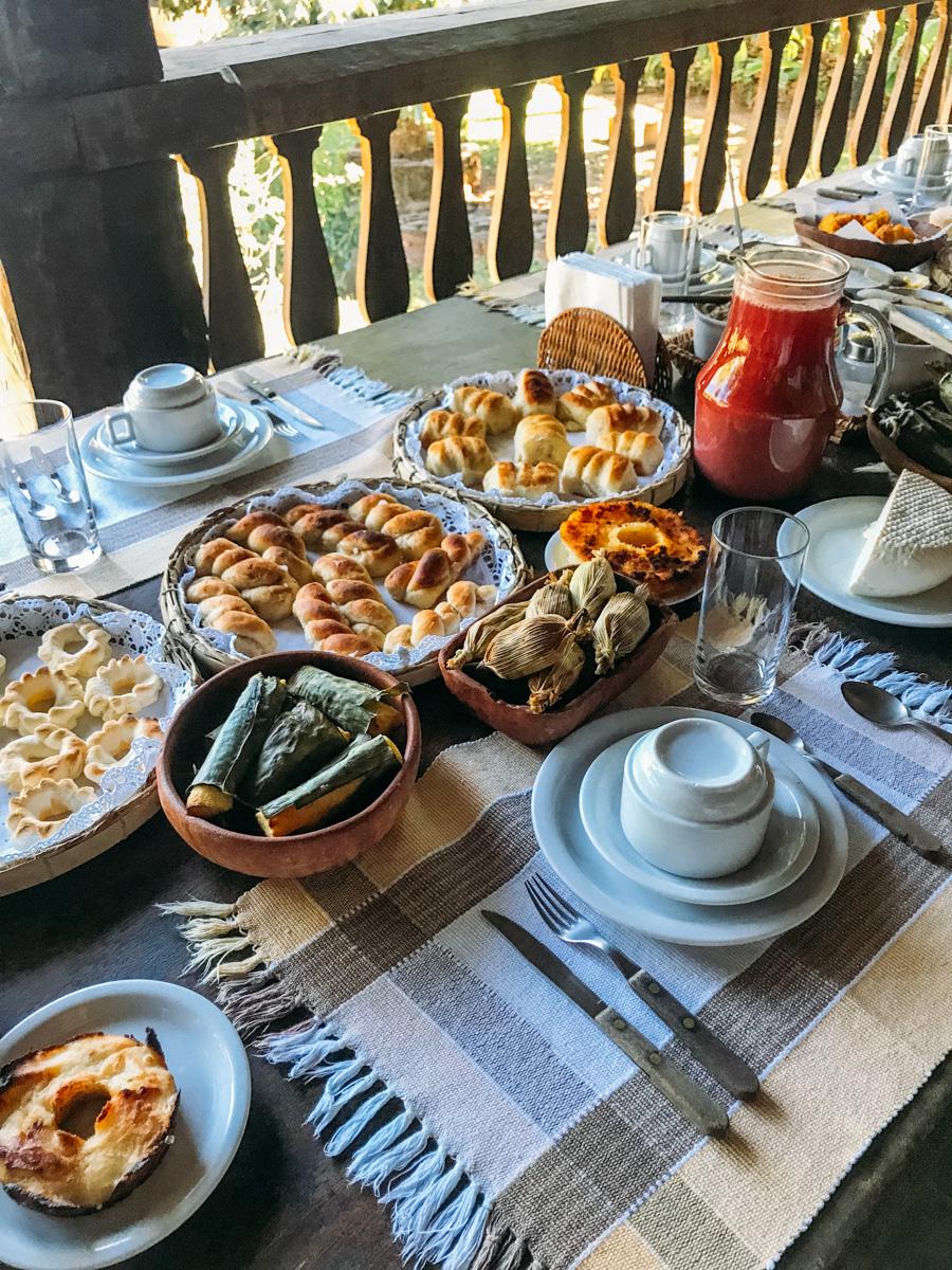 Café da manhã na Fazenda Babilônia