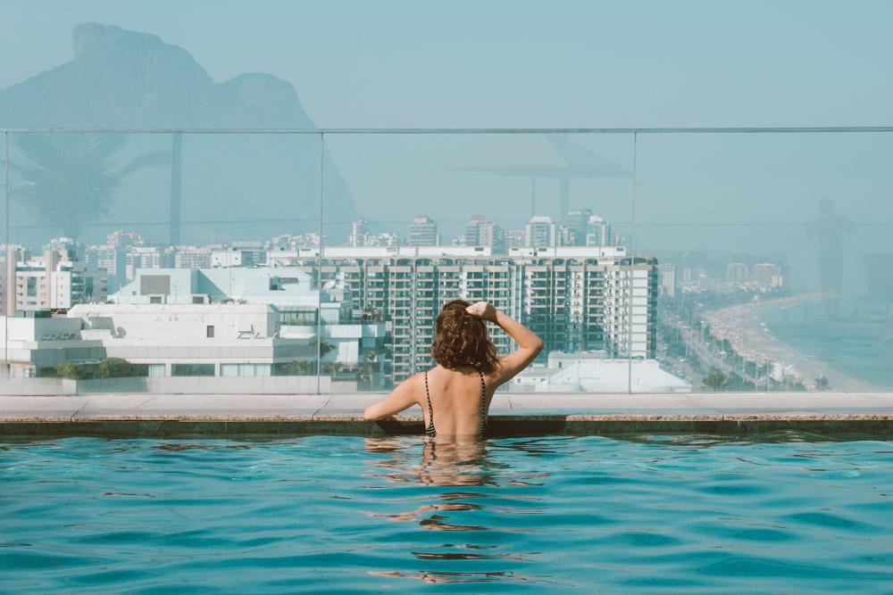 hotel na barra da tijuca com piscina