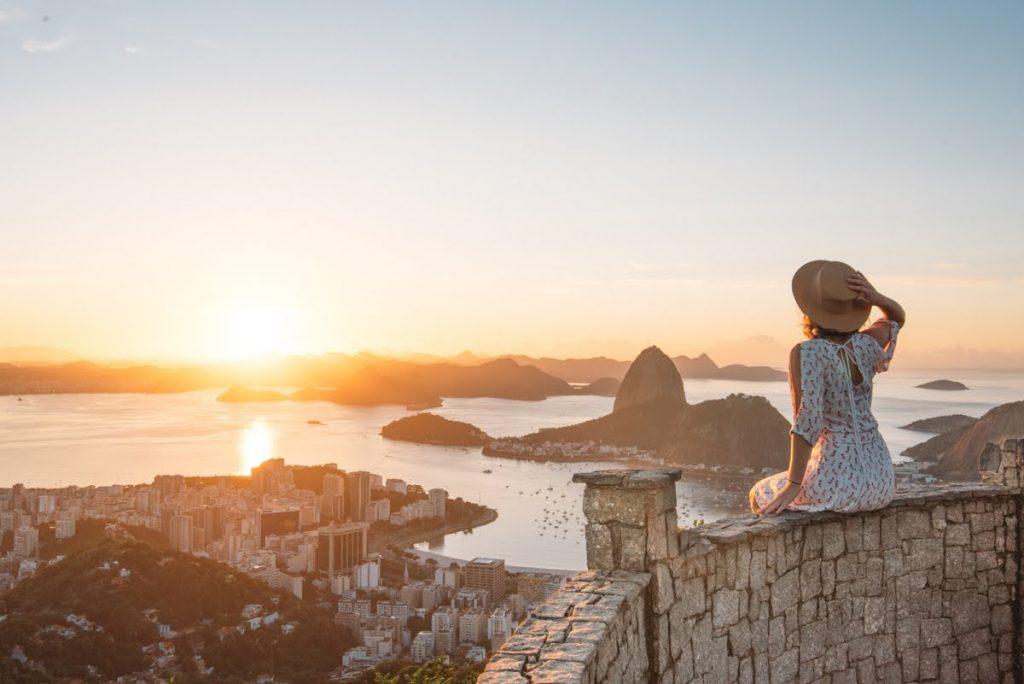 Vista do nascer do sol no Mirante Dona Marta