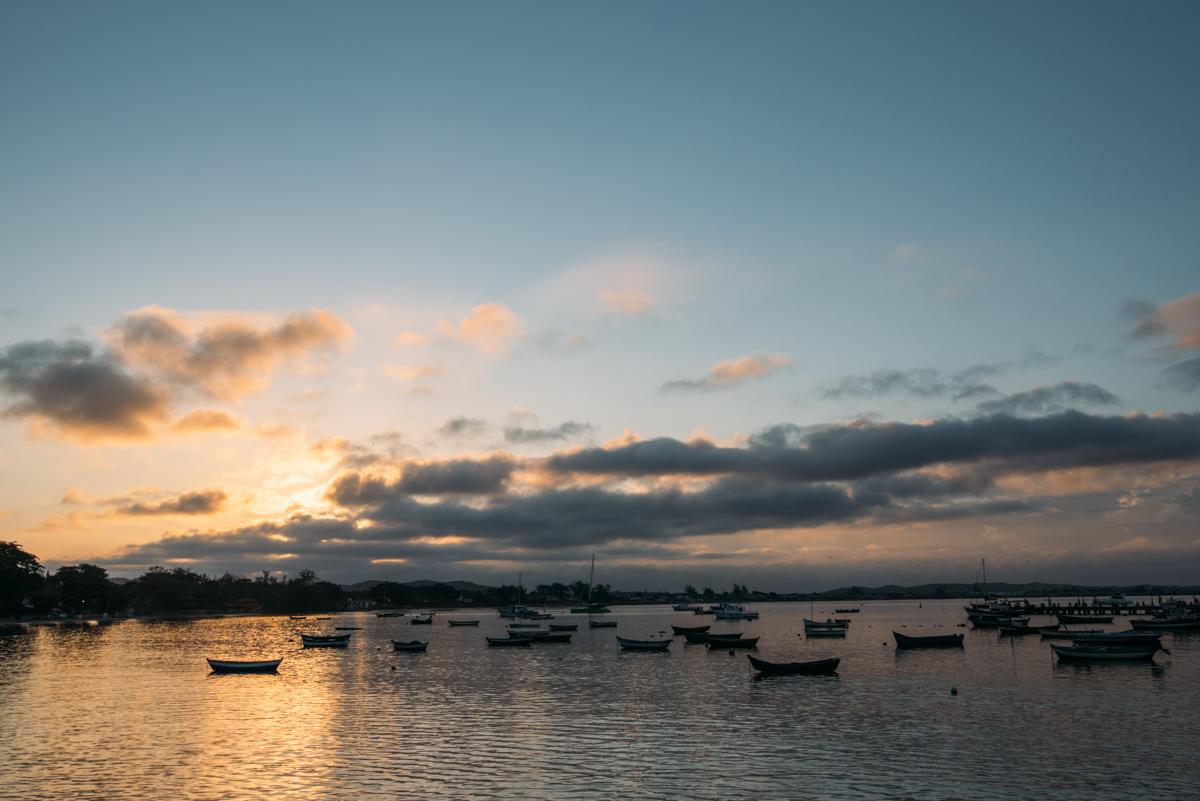 Por do sol no Porto da Barra em Búzios