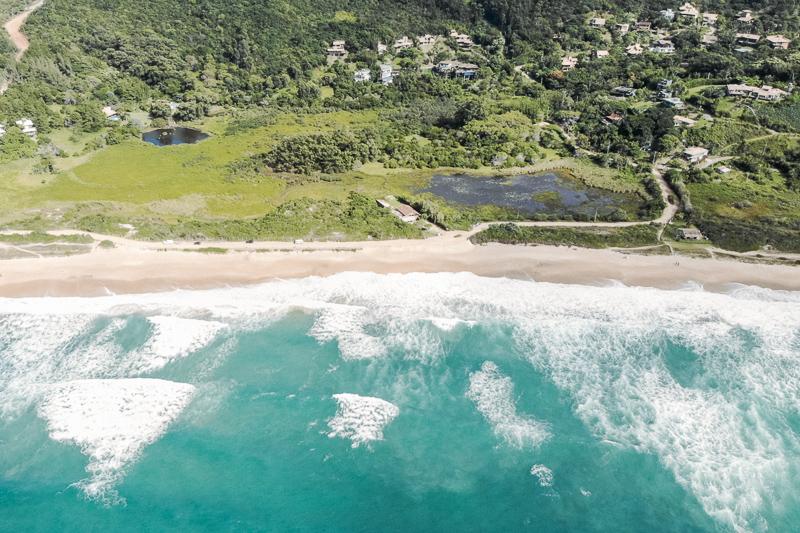 Foto feita com drone na Praia do Silveira