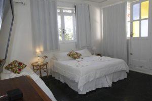 Quarto triplo do Hotel Praia dos Anjos