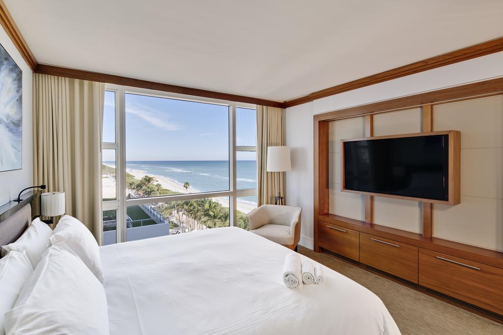 Suite do Carillon Miami Wellness Resort