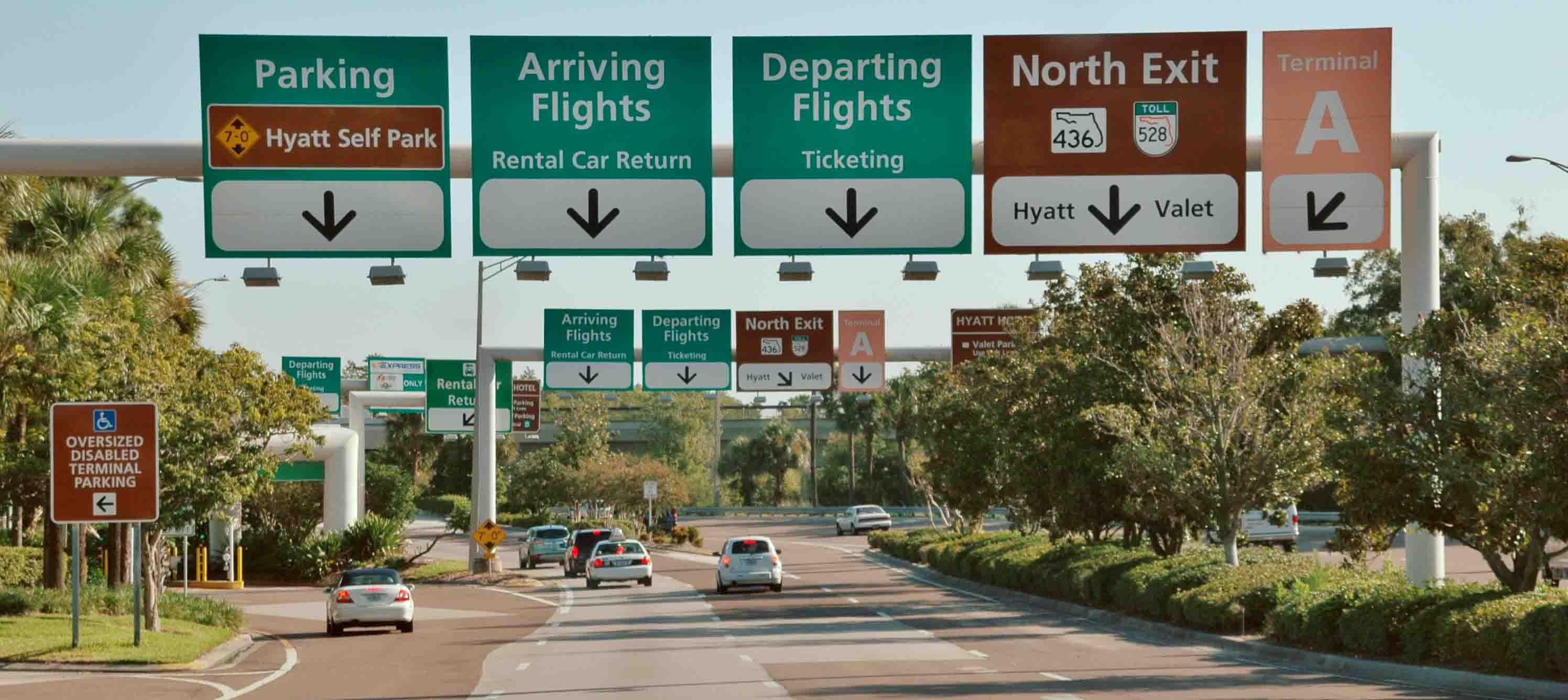 Saída do Aeroporto Internacional de Orlando