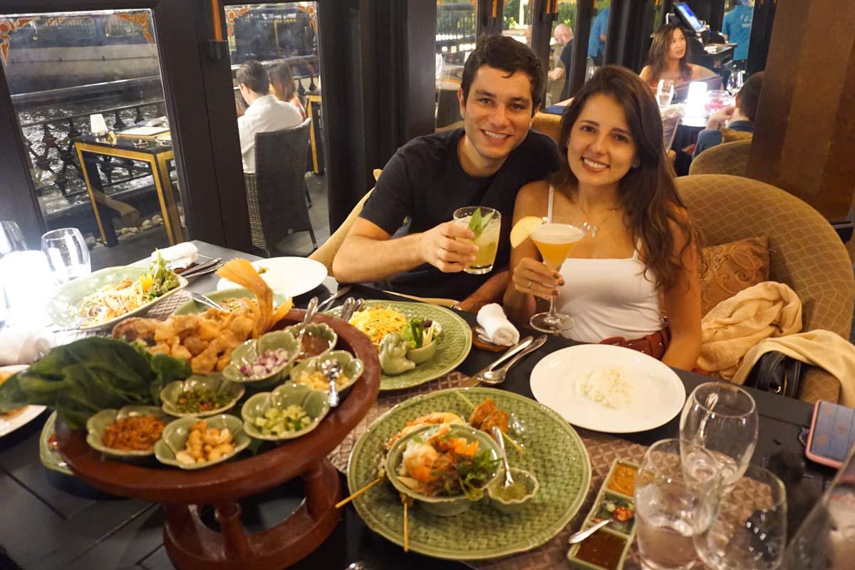 restaurante salathip em bangkok