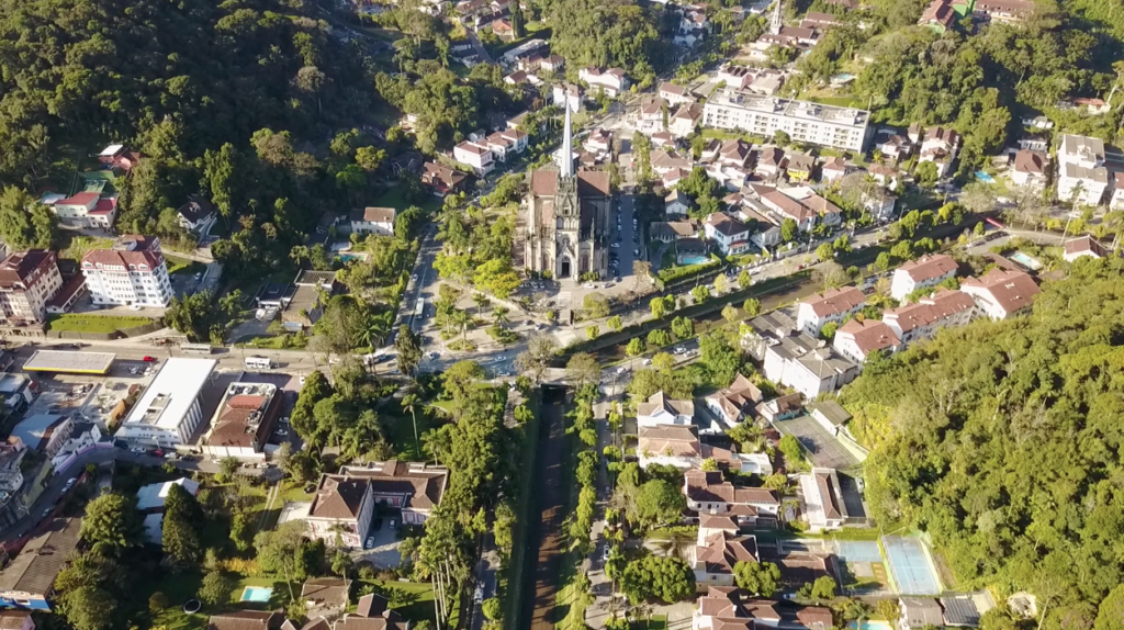 foto aerea do centro de Petrópolis