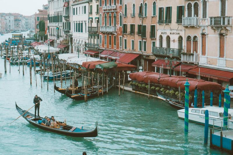 como é o passeio de gôndola em veneza