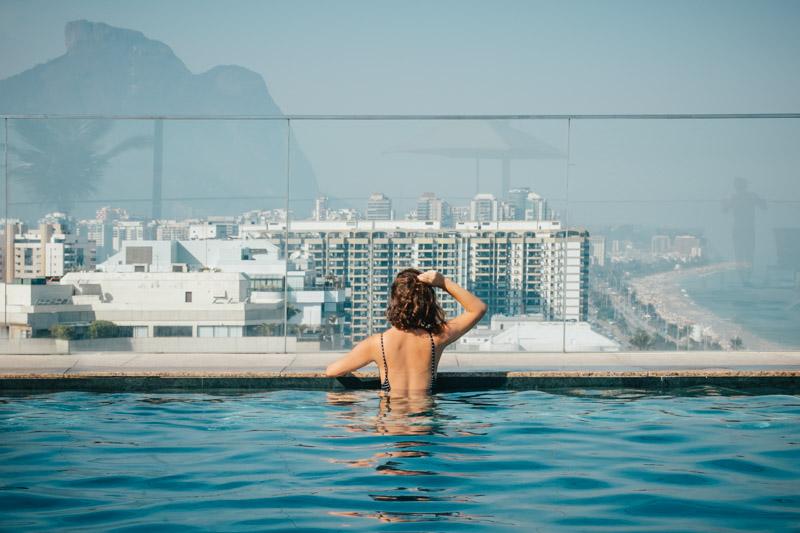 A Barra e o Recreio tem hotéis mais em conta na beira da praia