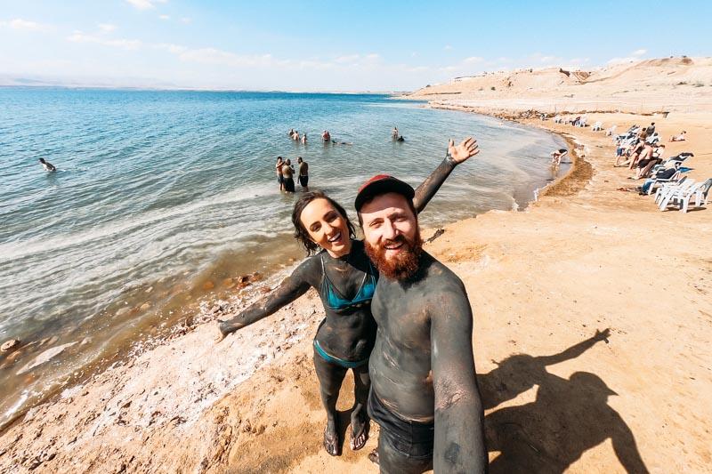 Experiência imperdível no Mar Morto: banho de lama