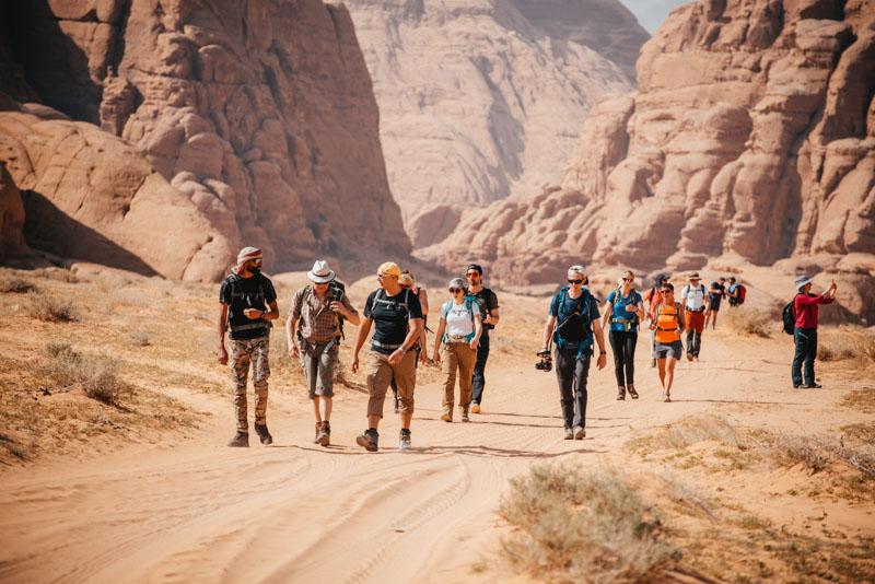 Trilha pelo deserto de Wadi Rum na Jordânia