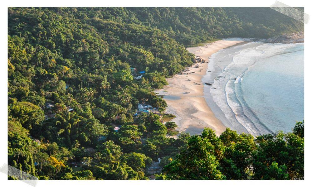 para onde viajar em abril praia