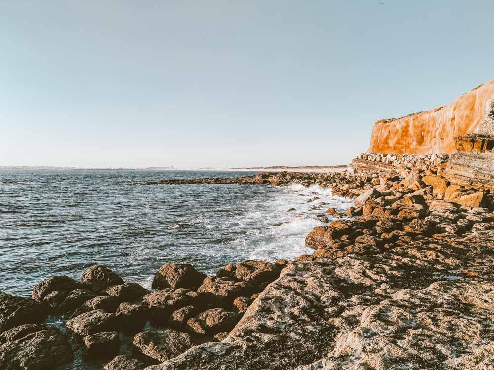praias de portugal pedras