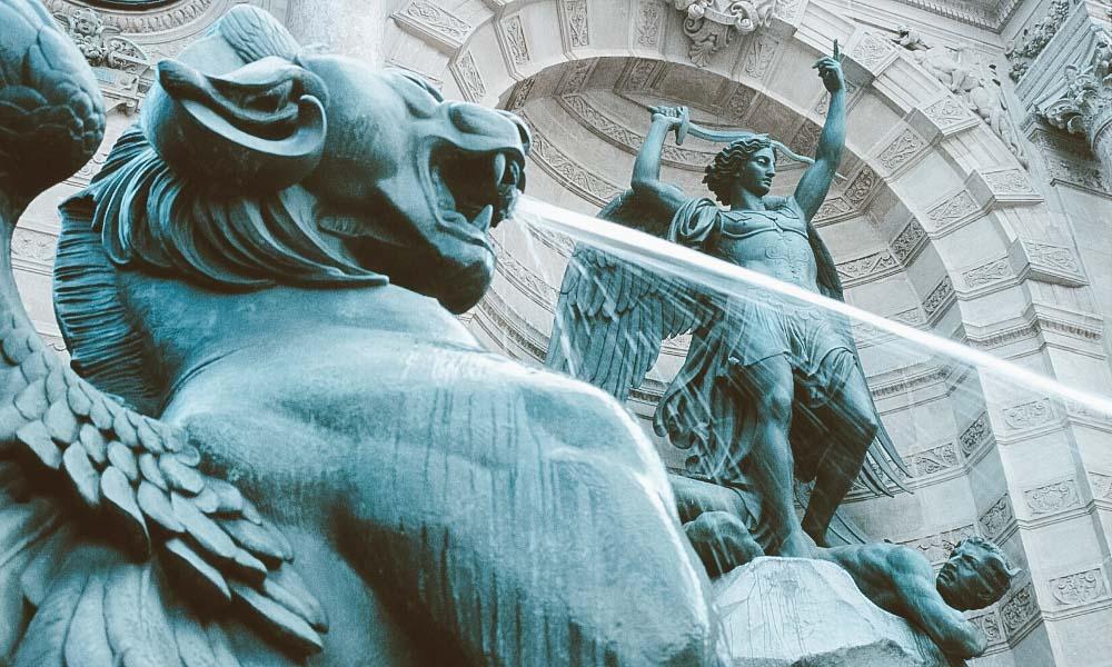 40 passeios imperdíveis em paris fonte saint-michel