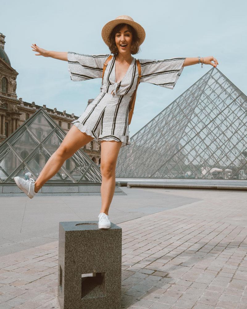 piramides do louvre paris