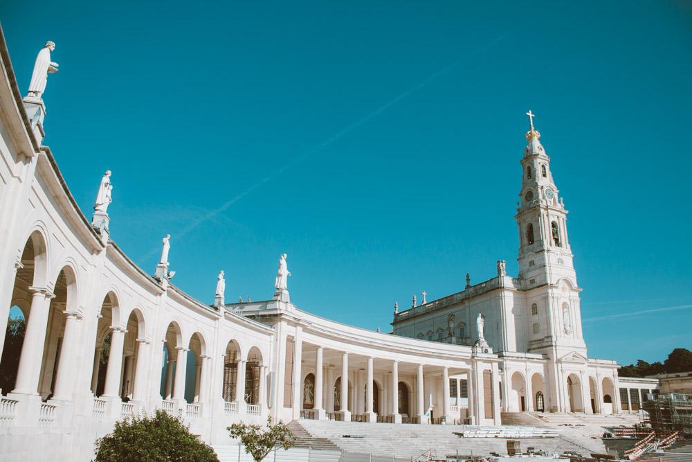 viagem de carro em portugal santuário de fátima