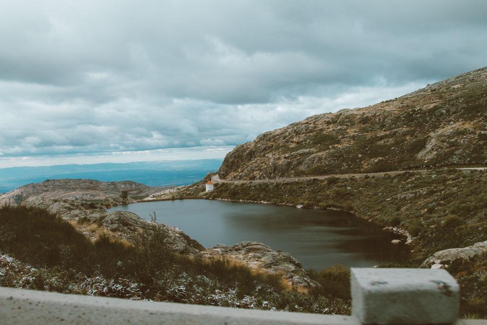 viagem de carro em portugal serra da estrela