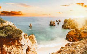 O que fazer no Algarve: 7 passeios imperdíveis para conhecer o melhor do extremo sul de Portugal